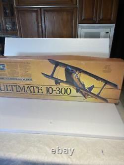 Carl Goldberg Ultimate Biplane 10-300 Kit