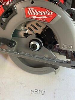 New Milwaukee 2732-20 M18 FUEL 7-1/4 Circular Saw Kit, With 2 3.0AH Batteries, Bag